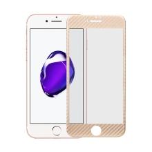 Tvrzené sklo pro Apple iPhone 7 - zlatý rámeček - karbonová textura - 0,3mm