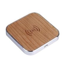 Bezdrátová nabíječka / nabíjecí podložka Qi dřevěná - stříbrný rámeček