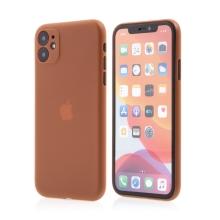 Kryt pro Apple iPhone 11 - s prvkem pro ochranu skla kamery - plastový - oranžový