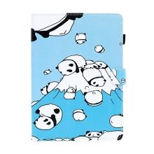 Pouzdro pro Apple iPad Air 1 / Air 2 / 9,7 (2017) - stojánek + prostor pro platební karty - pandy koulící se z kopce