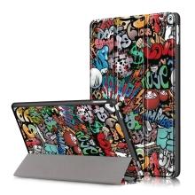 """Pouzdro pro Apple iPad Pro 10,5"""" / Air 3 (2019) / 10,2"""" (2019 - 2021) - funkce chytrého uspání + stojánek - plastová záda - graffiti"""