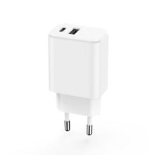 20W EU adaptér MAXLIFE - USB-A + USB-C Power Delivery - bílý