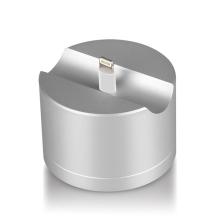 Stojánek pro Apple AirPods / iPhone / iPod - těžká základna - otvor pro kabel - kovový - stříbrný